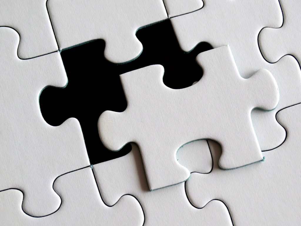 Excellent.org: shows a puzzle- symbolize the criteria to success