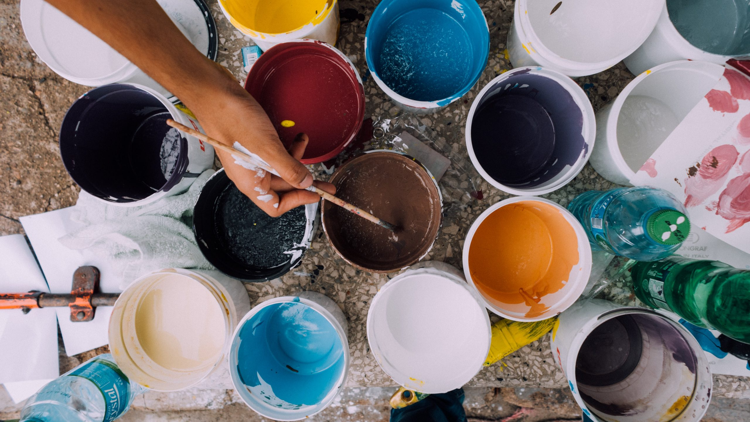 Excellent.org: colorful paint pots